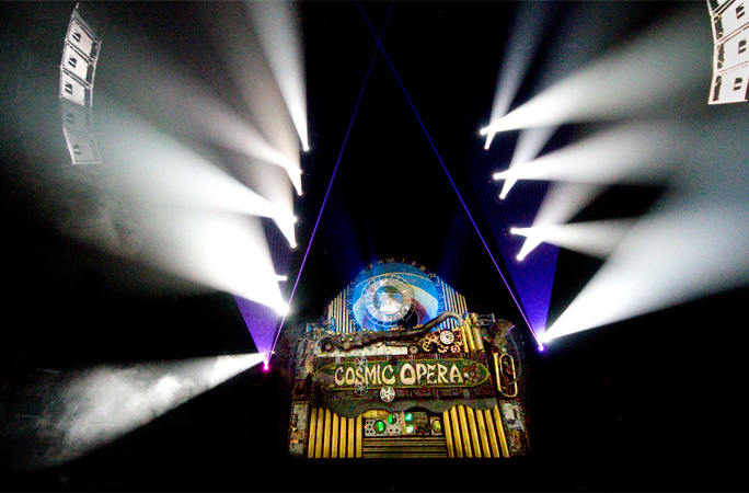 The Cosmic Eye centerpiece of stage design by Arch
